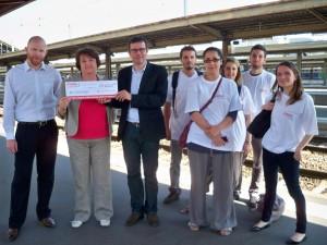 Remise du chèque de La France du Nord au Sud au Secours Catholique